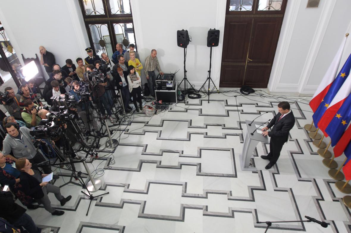 Radoslaw Sikorski na setkání s novináři