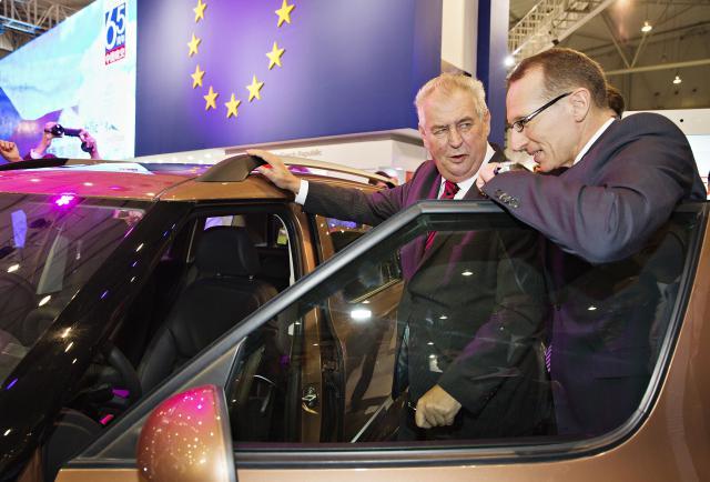 Prezident na veletrhu navštívil české stánky