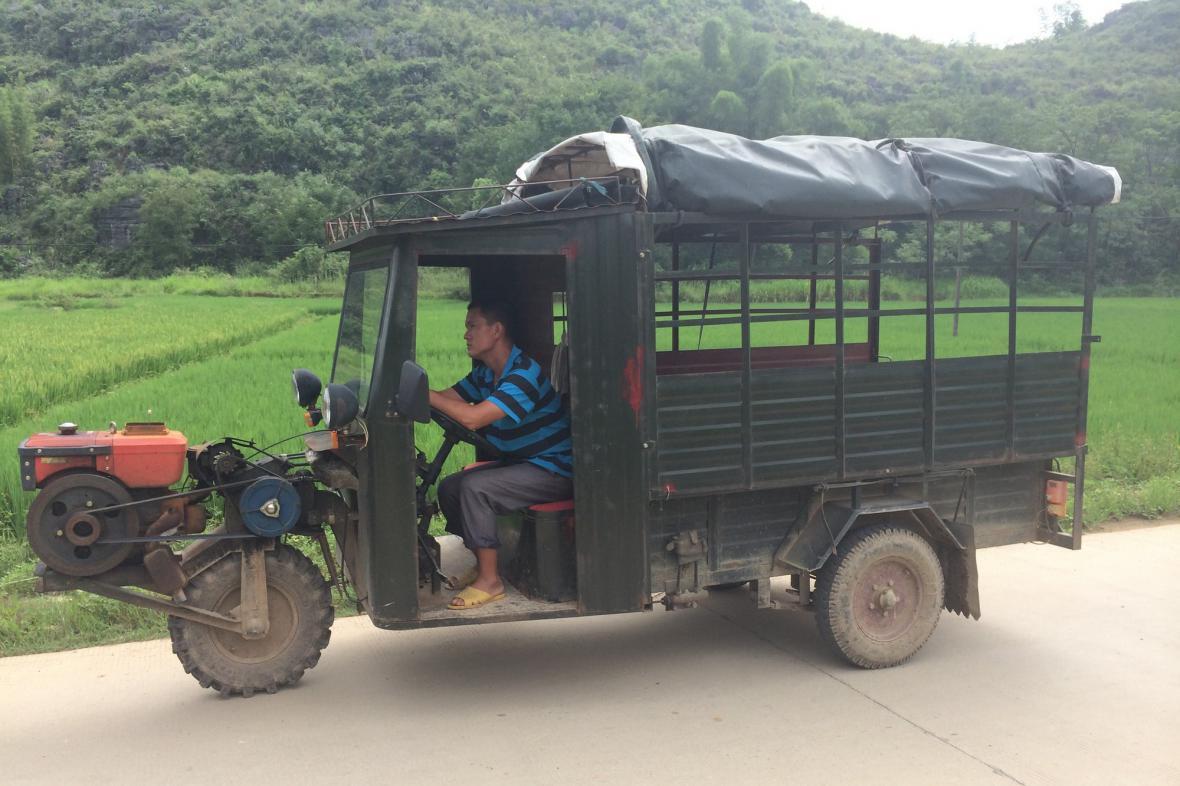 I na čínskou vesnici vtrhla technika