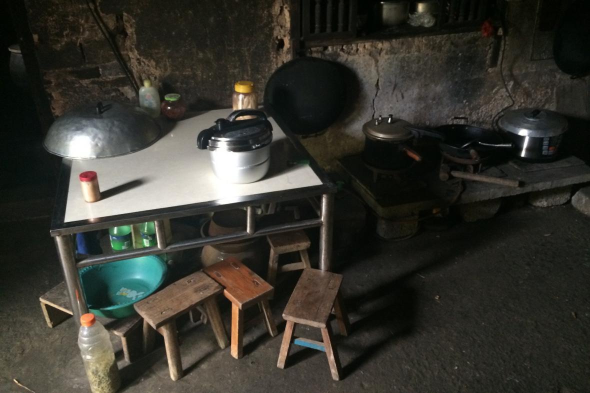 Interiér venkovské kuchyně