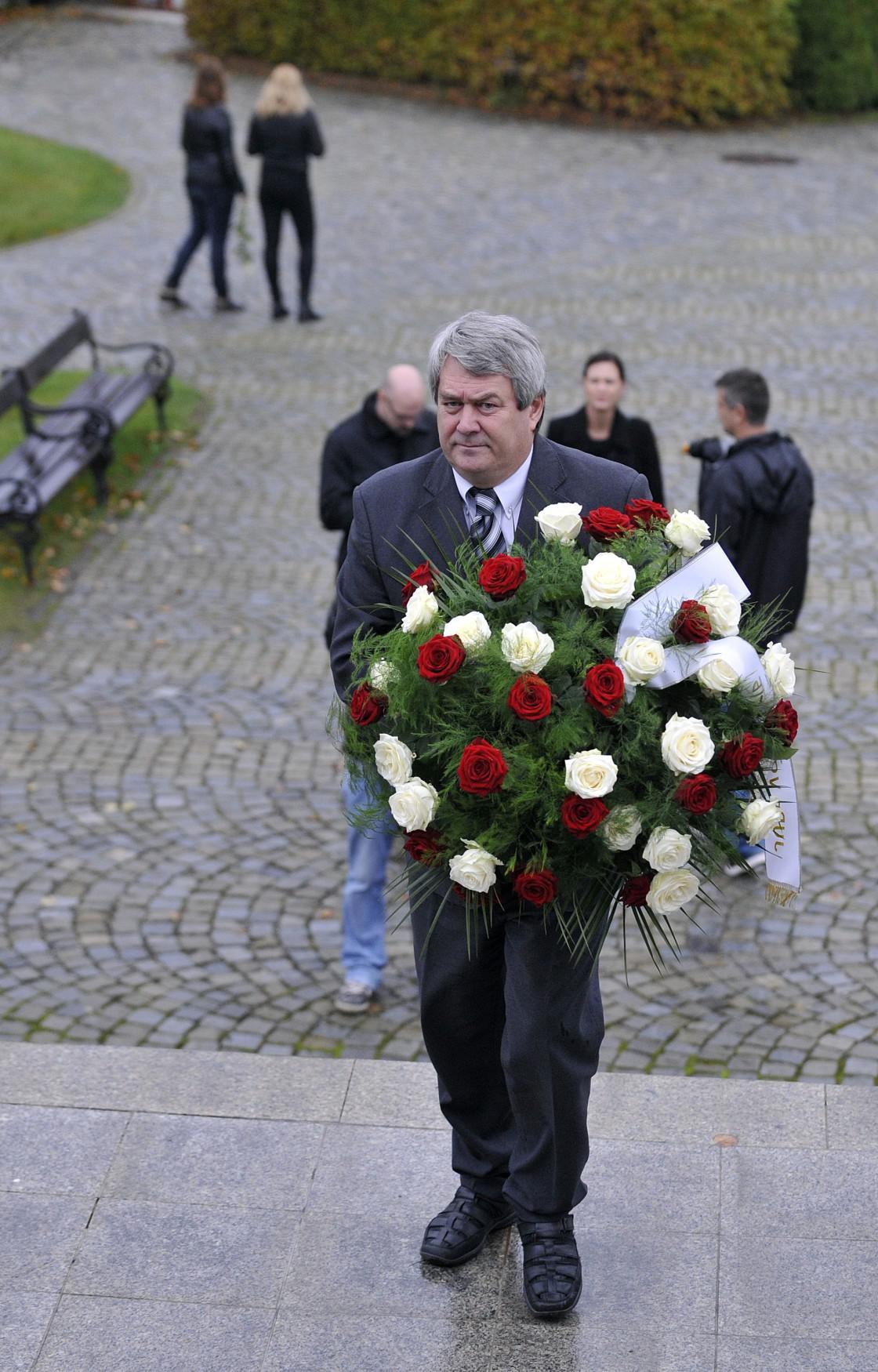Vojtěch Filip na pohřbu Petra Vejvody