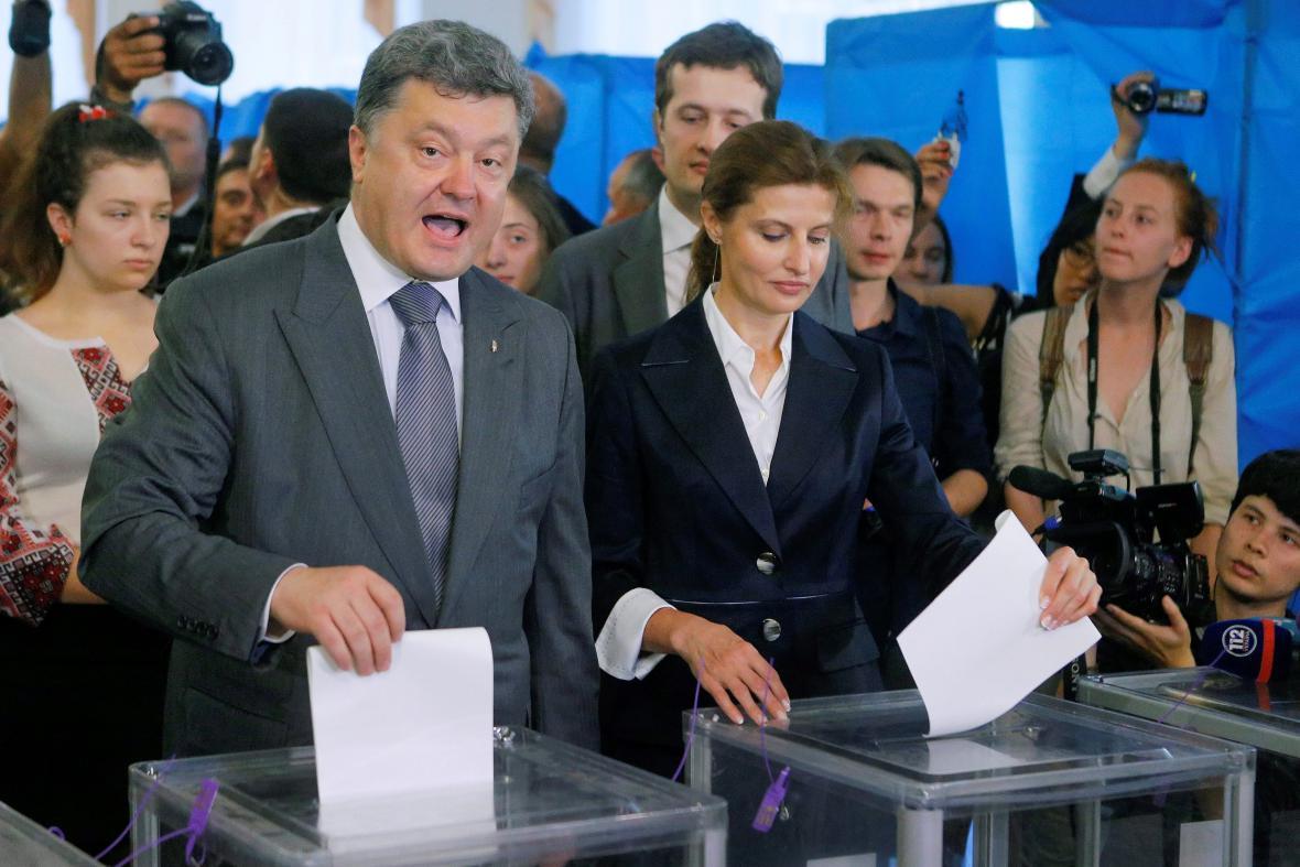 Blok Petro Porošenka je favoritem nadcházejících voleb