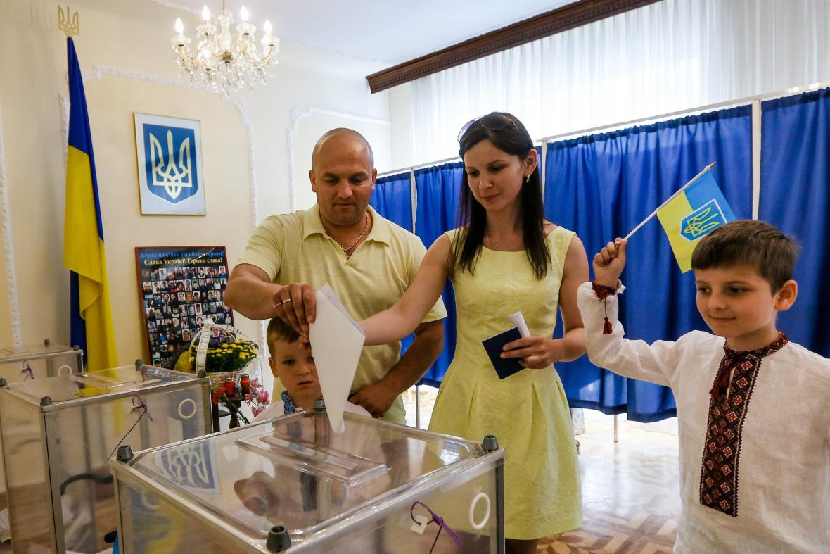 Parlamentní volby se na Ukrajině uskuteční v neděli 26. října