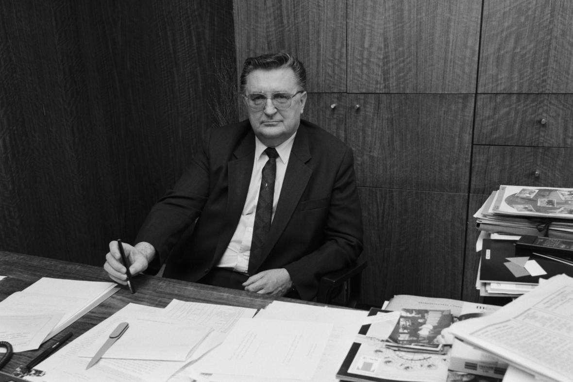 František Čuba ve své pracovně v dubnu 1989