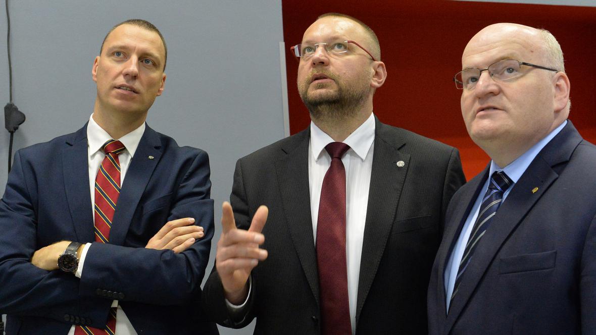 Jan Wolf, Jan Bartošek a Daniel Hermann ve volebním štábu KDU-ČSL