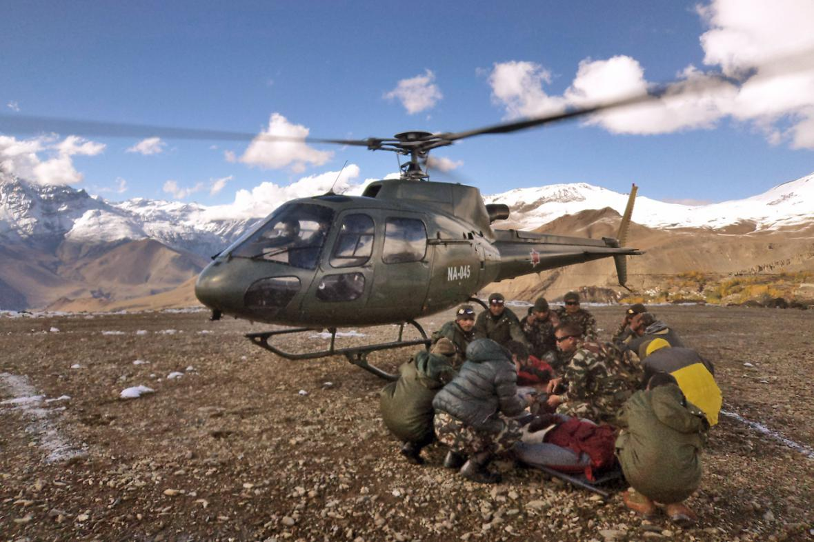 Nepálští záchranáři