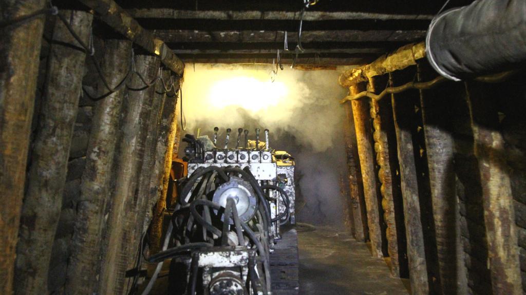 Model těžební šachty