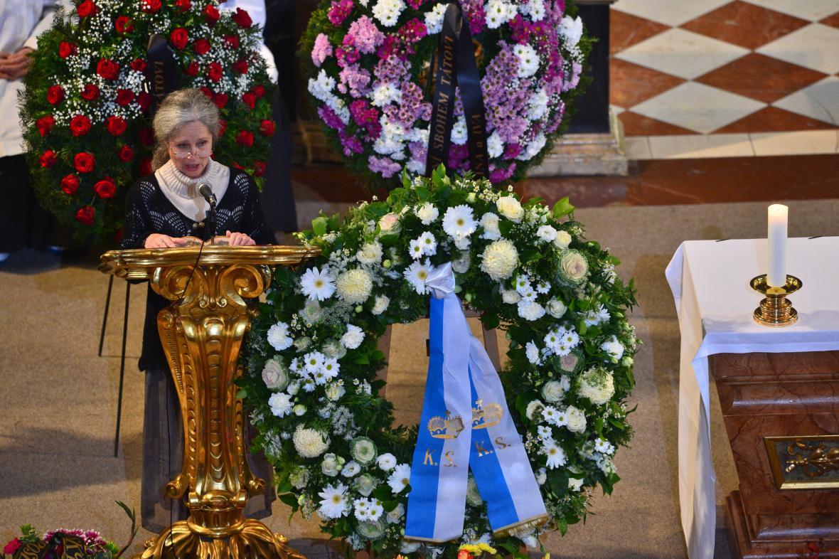 Táňa Fischerová na pohřbu Pavla Landovského
