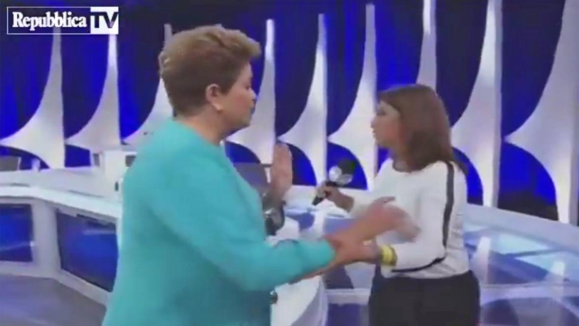 Dilmě Rousseffové se neudělalo dobře