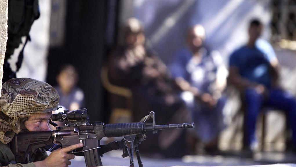 Izraelská armáda v ulicích Gazy