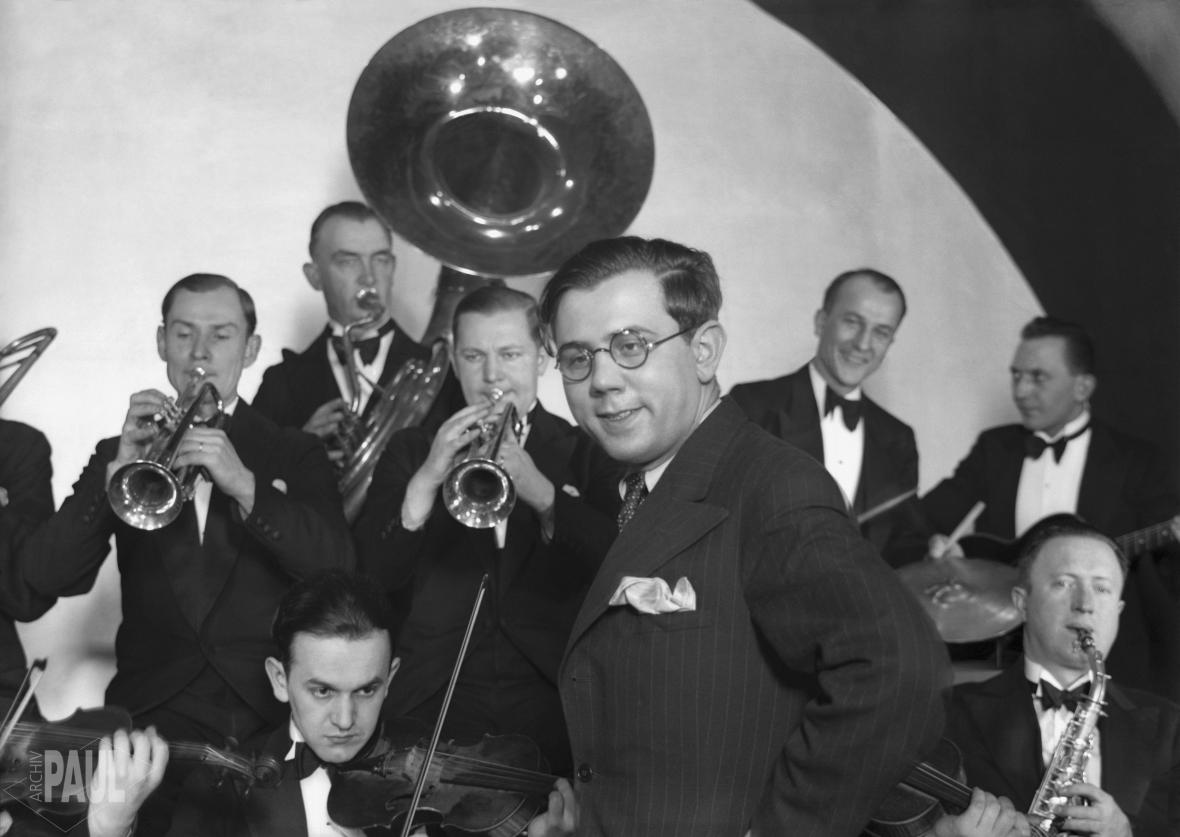 Jaroslav Ježek s orchestrem (30. léta)
