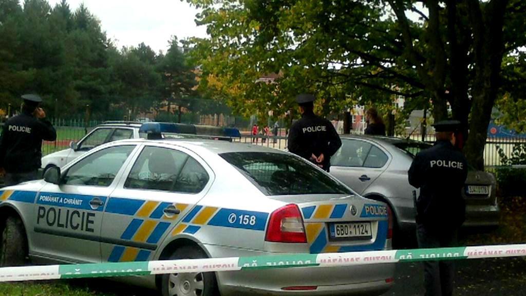 Policie v areálu žďárské střední školy