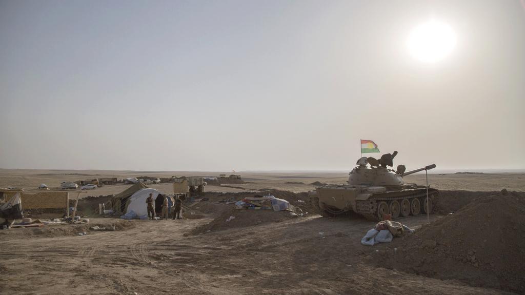 Kurdské jednotky na frontové linii