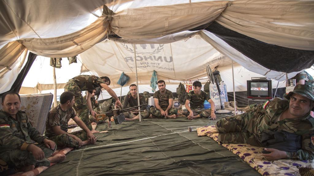 Jednotky Pešmergů na kontrolním stanovišti
