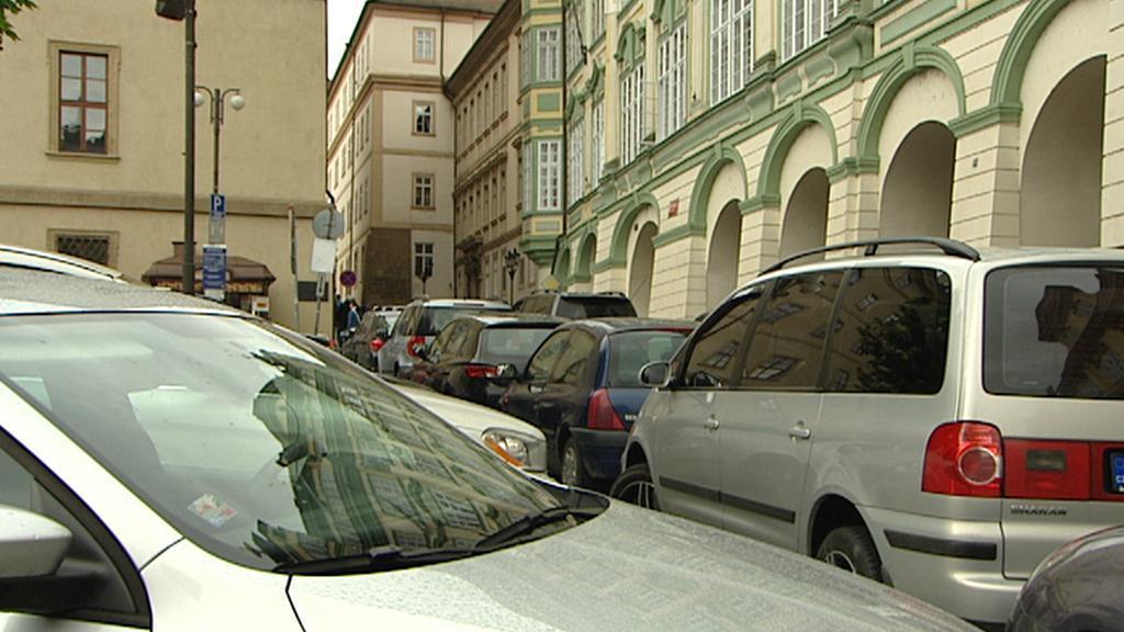 Parkování na Malostranském náměstí