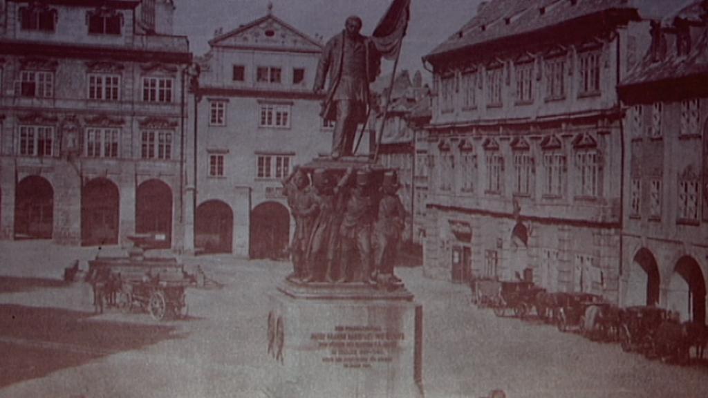 Pomník maršála Radeckého na archivní fotografii
