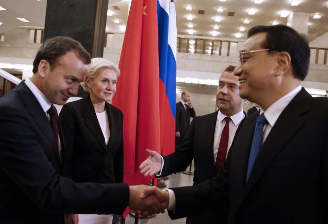 Premiéři Ruska  a Číny na jednáních v Moskvě