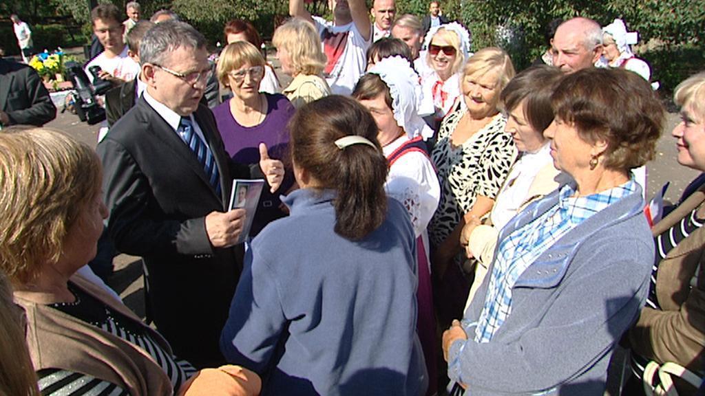 Ministr Lubomír Zaorálek při návštěvě volyňských Čechů