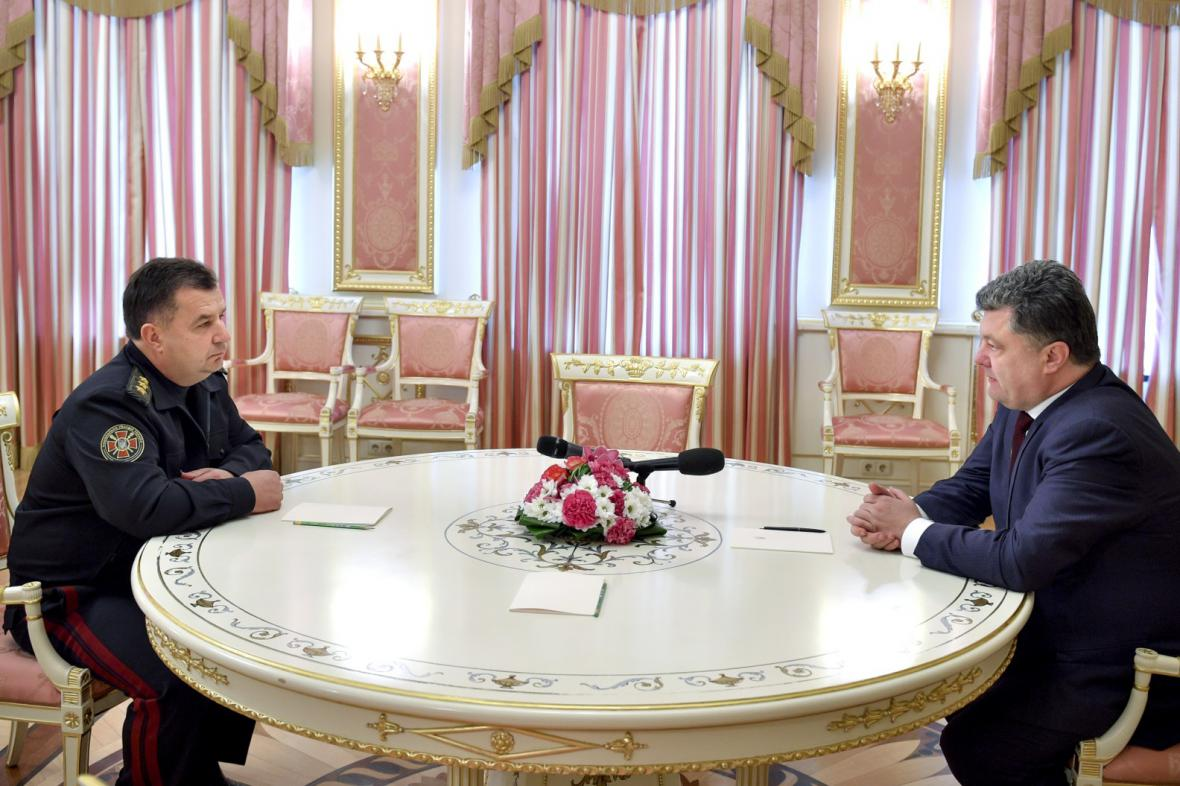 Ukrajinský prezident s budoucím šéfem obrany