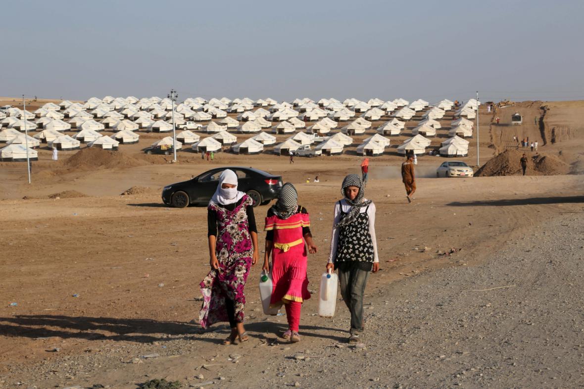 Jezídi v uprchlickém táboře