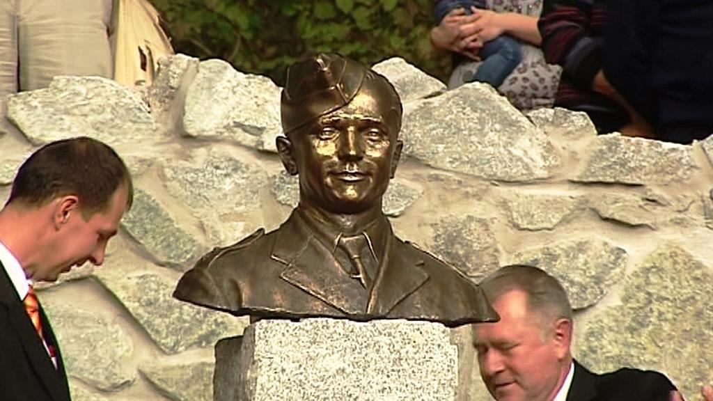 Busta Jozefa Gabčíka v Rajeckých Teplicích