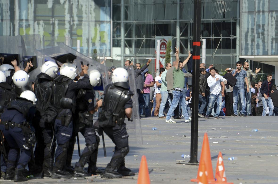 Protesty Kurdů v Turecku