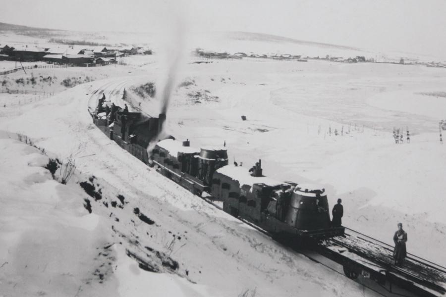 Obrněný vlak Orlík na Transsibiřské magistrále