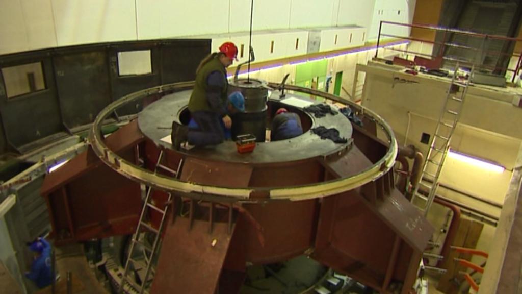 Lipno - demontáž staré turbíny