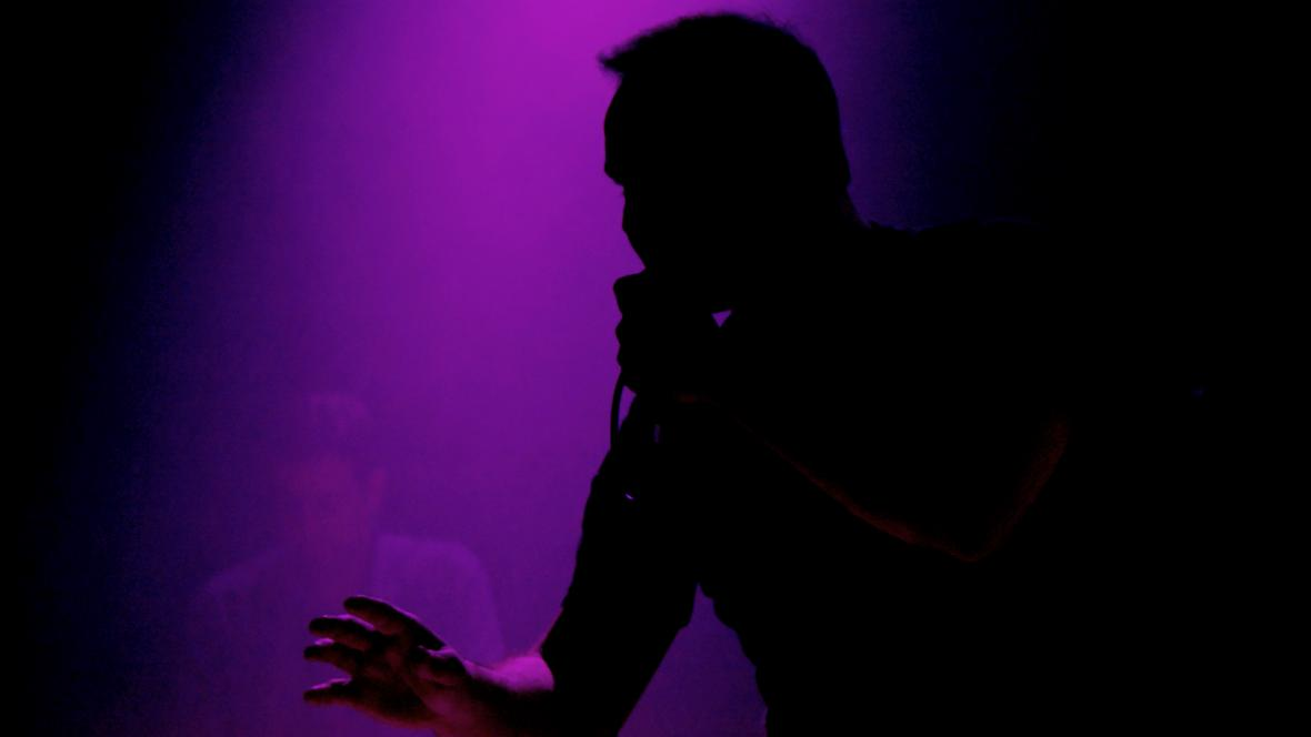 Future Islands nadchli publikum svými skladbami o zklamání a rozchodech