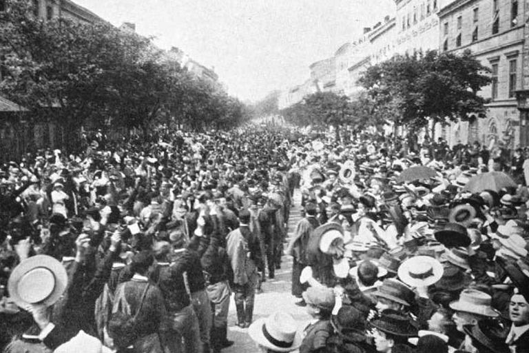 Sokolský průvod v Brně v roce 1914