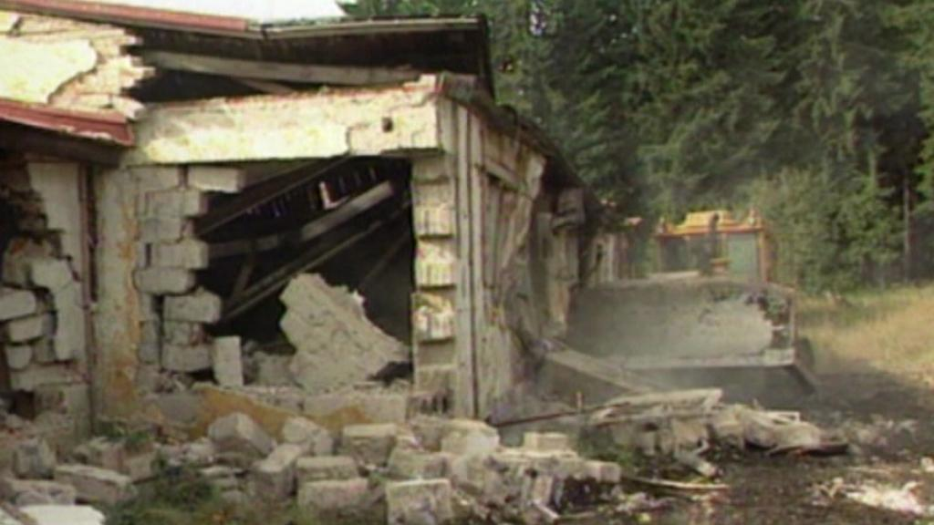 Bývalá rota Javoří pila - demolice