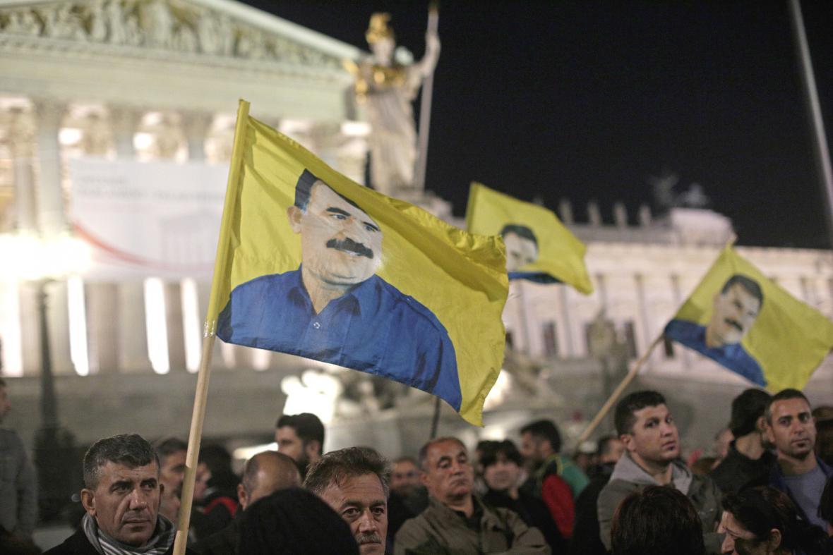 Protesty Kurdů ve Vídni