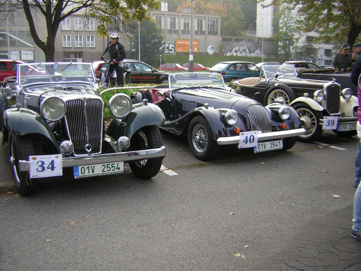 Jízda historických vozidel Pražská Noblesa