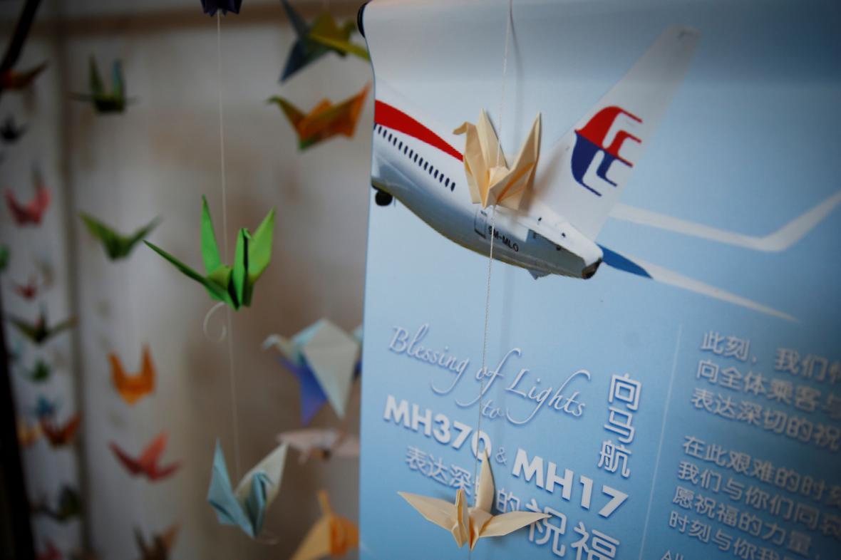 Lidé si připomínají zmízení letu MH370