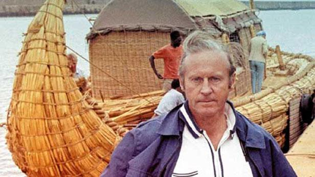 Etnolog Thor Heyerdahl se svou lodí Ra II.