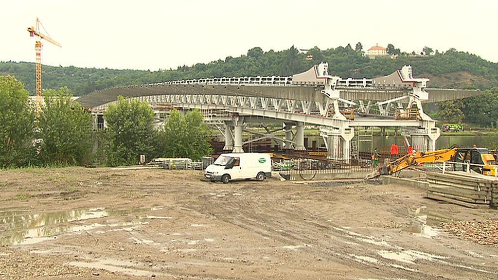 Stavba Trojského mostu