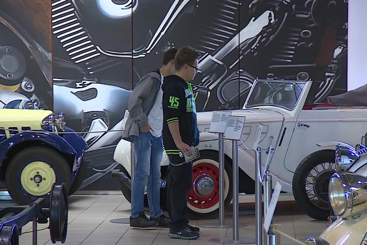 Výstava Babička Zetka v brněnském technickém muzeu
