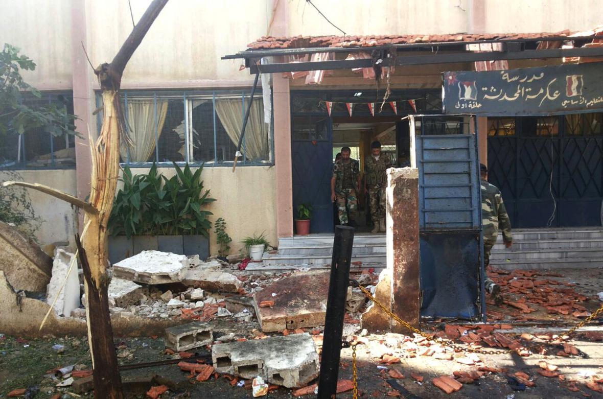 Sebevražedný atentátník zabíjel v Homsu