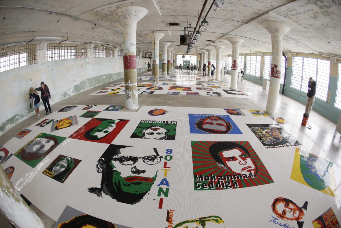 Výstava Aj Wej-weje v Alcatrazu