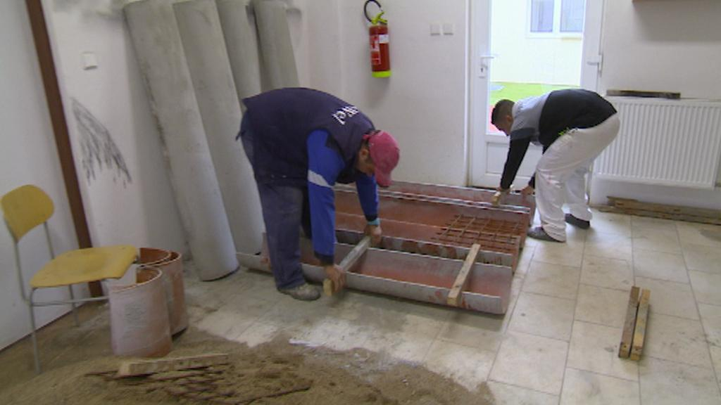 Výroba betonových stolů v Chanově
