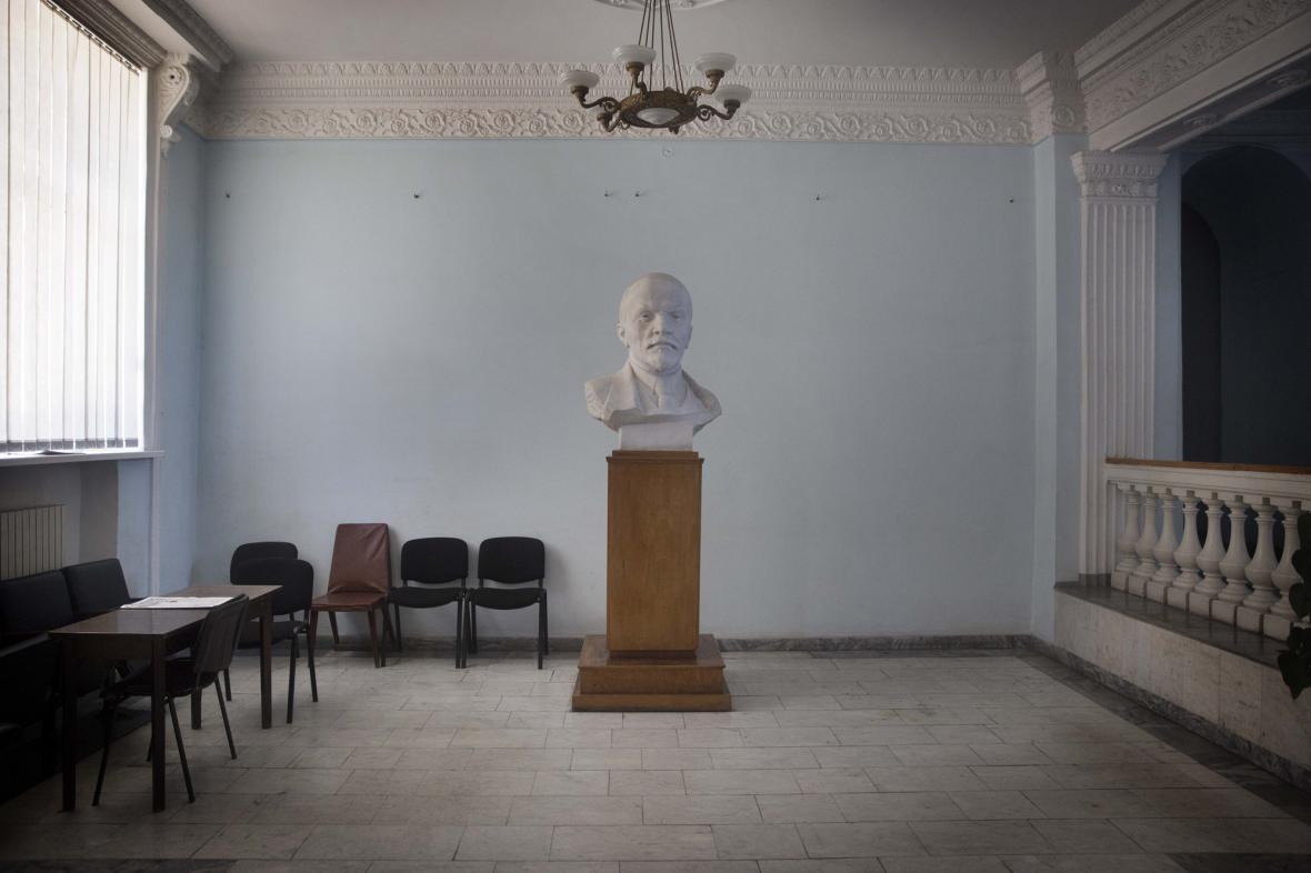 Leninova busta v Sevastopolu na Krymu