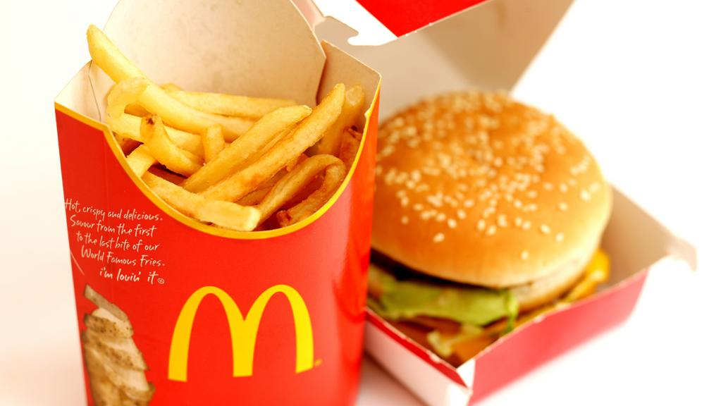 compare and contrast essay about fast food and healthy food Compare contrast essay junk food healthy food once youve placed your order, we check all our available writers whose skills match your requirements and choose the.
