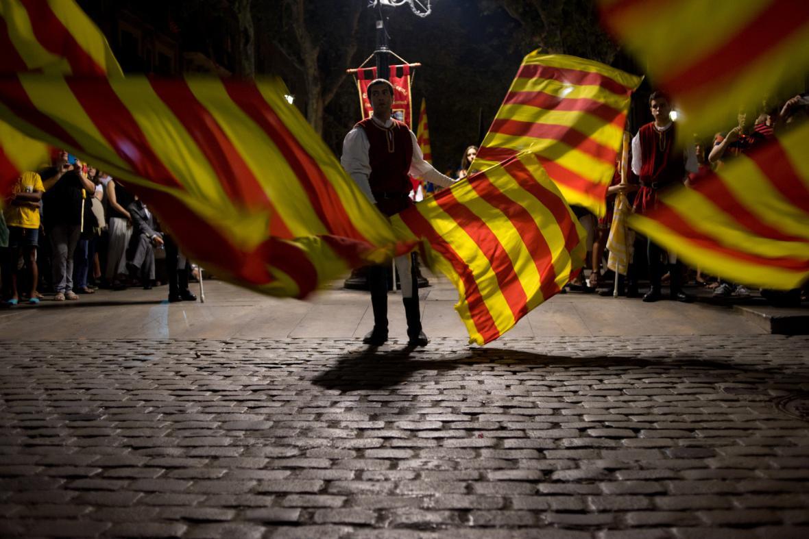 Procesí vpředvečer národního katalánského svátku