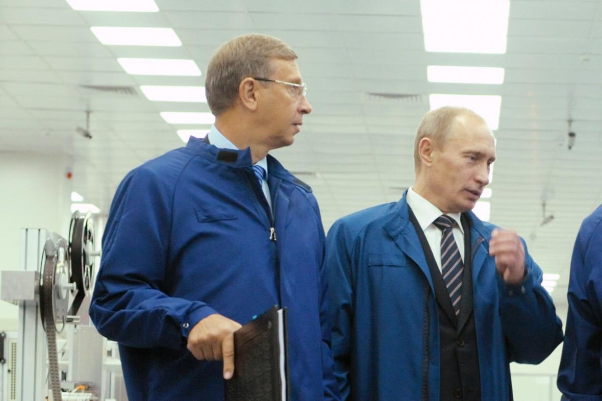 Dva Vladimirové: Jevtušenkov a Putin