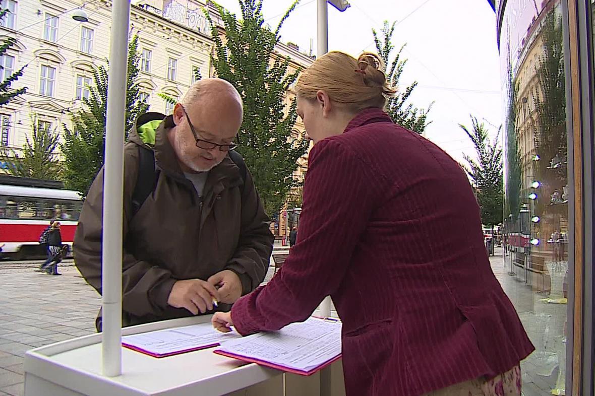 Sběr podpisů pro vypsání referenda o nádraží