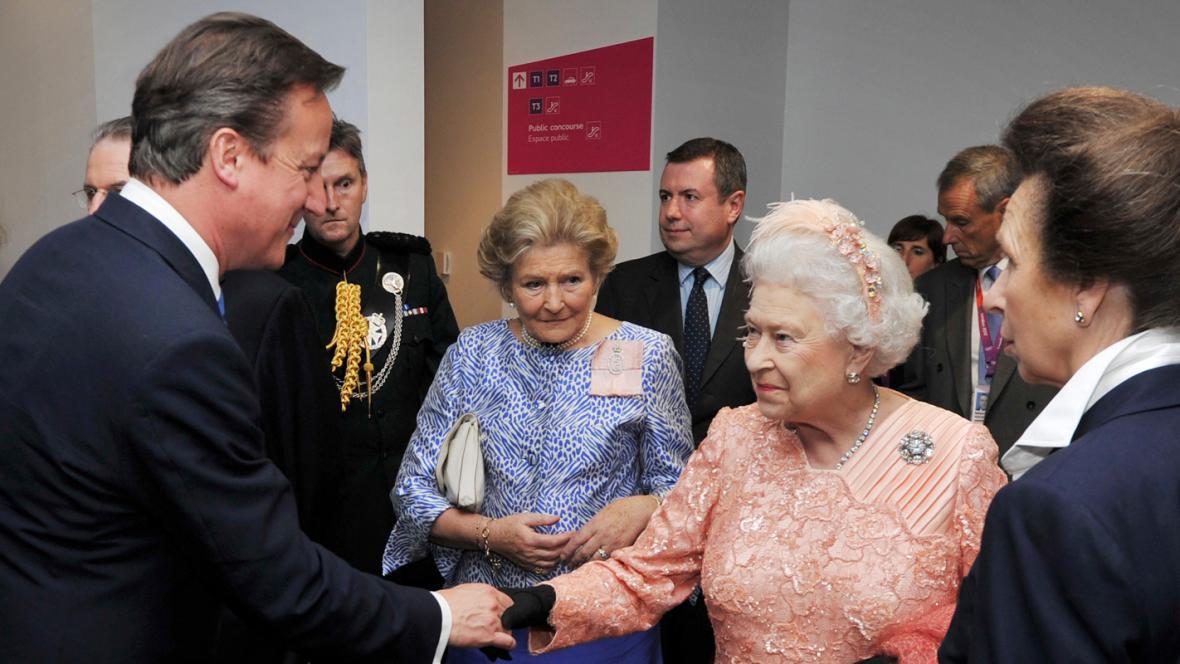 David Cameron a Alžběta II.