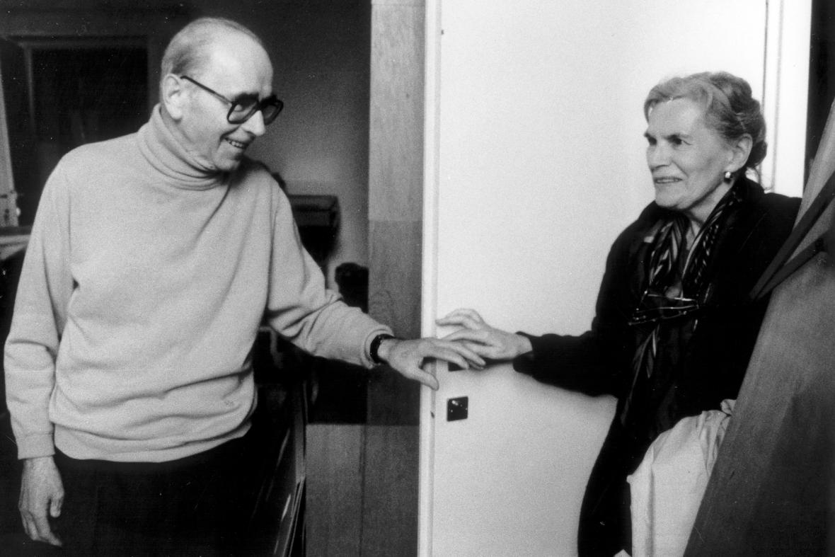Jiří Kolář a jeho manželka Běla Kolářová, 1992