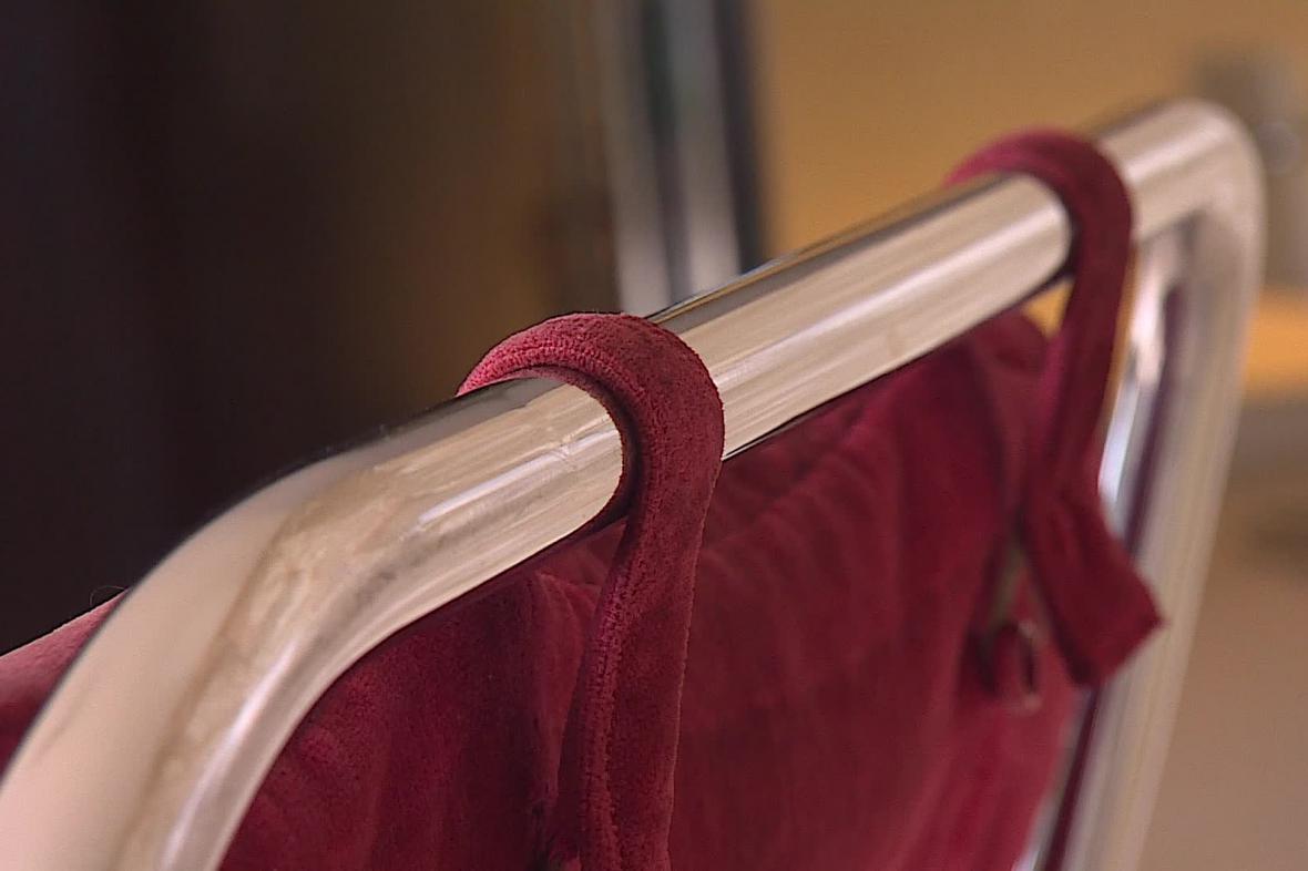 Do vily Tugendhat se vrátil původní nábytek