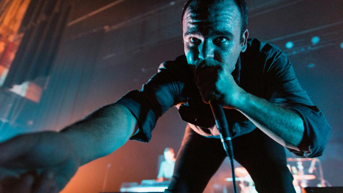 Zpěvák Future Islands Samuel T. Herring