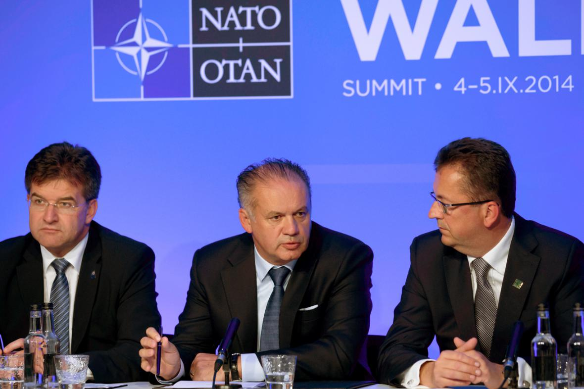 Miroslav Lajčák, Andrej Kiska a Martin Glváč na summitu NATO ve Walesu